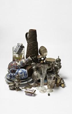 HORROR VACUI artefact